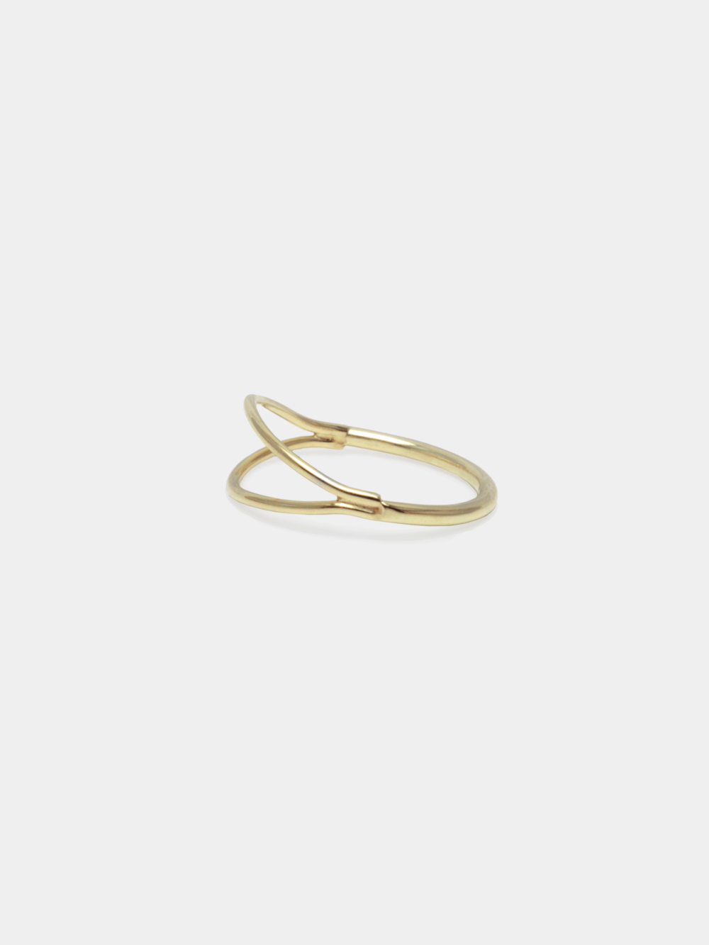 BEPART DOUBLE RING Handmade in Bepart studio in Slovakia, the Double finger ring from Circle collection is geometric, pure but modern take on minimal ring. Available in 14 k gold or sterling silver.