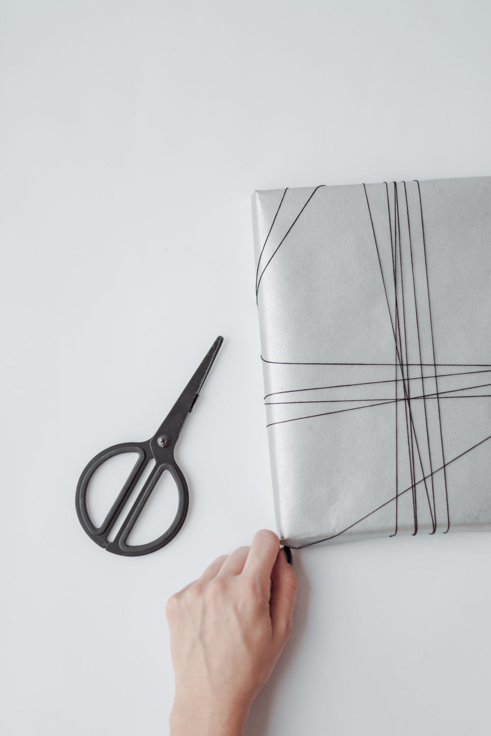Holiday gift wrapping ideas for minimalists