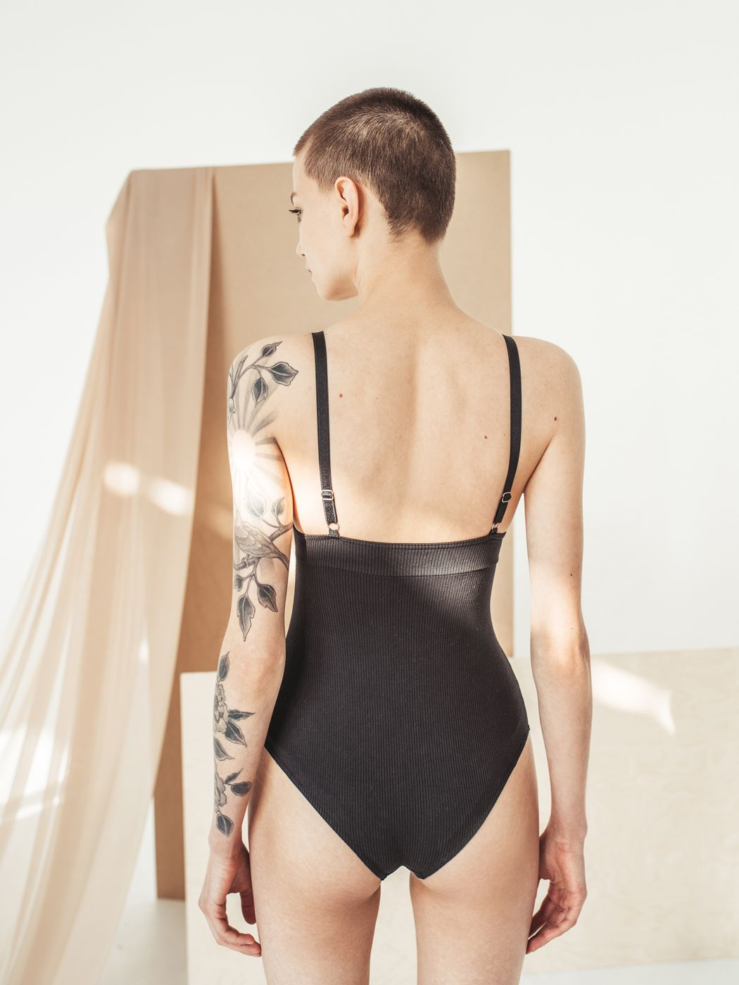 05 studio Alva bodysuit in black color