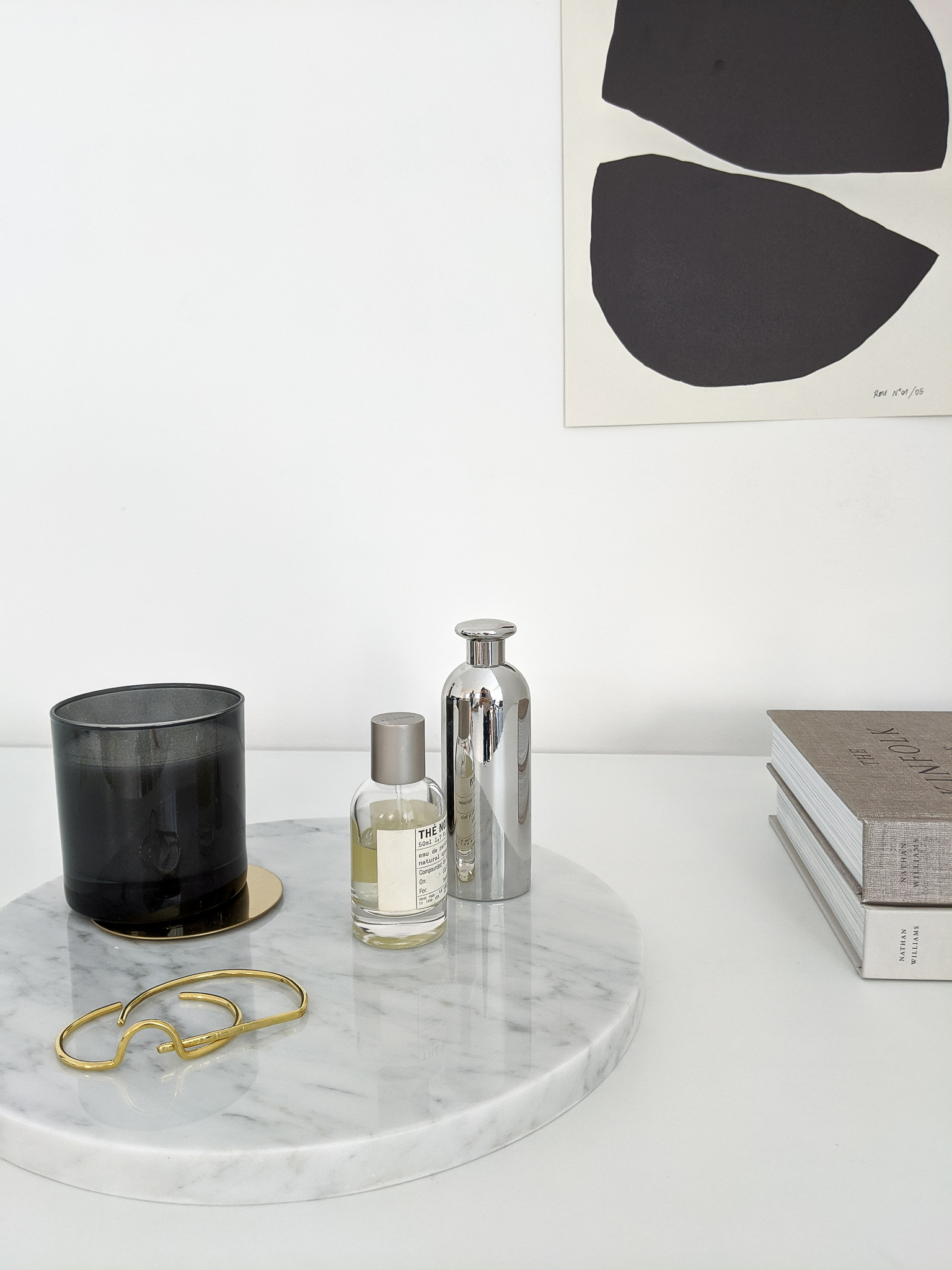 Artful Accessorizing: The Minimalist Home Objects